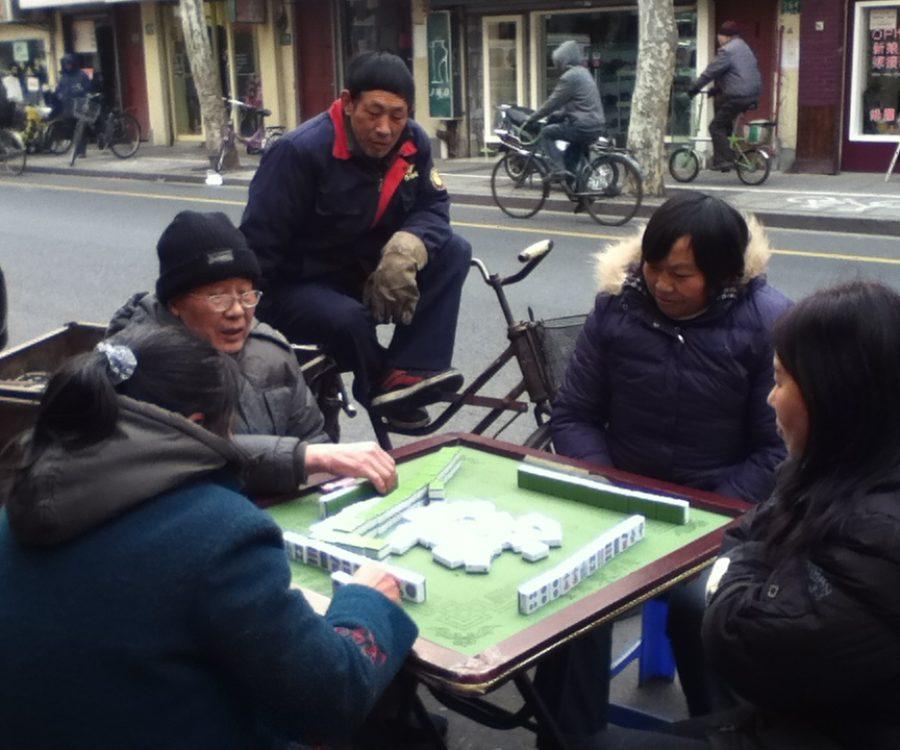 Shanghainese playing mahjong
